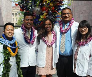 School of Medicine students with leis